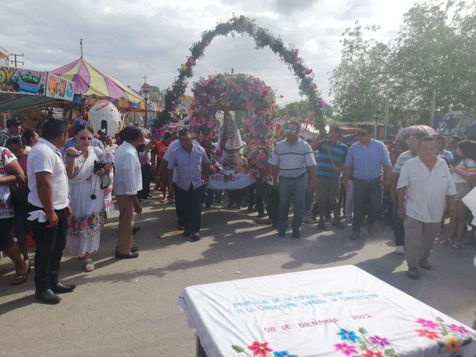 Bajan a la Virgen de la Inmaculada Concepción, patrona de Kantunilkín; tradicional ceremonia se llevó a cabo bajo las medidas sanitarias.