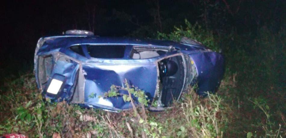 Muere conductor de 21 años en el lugar.