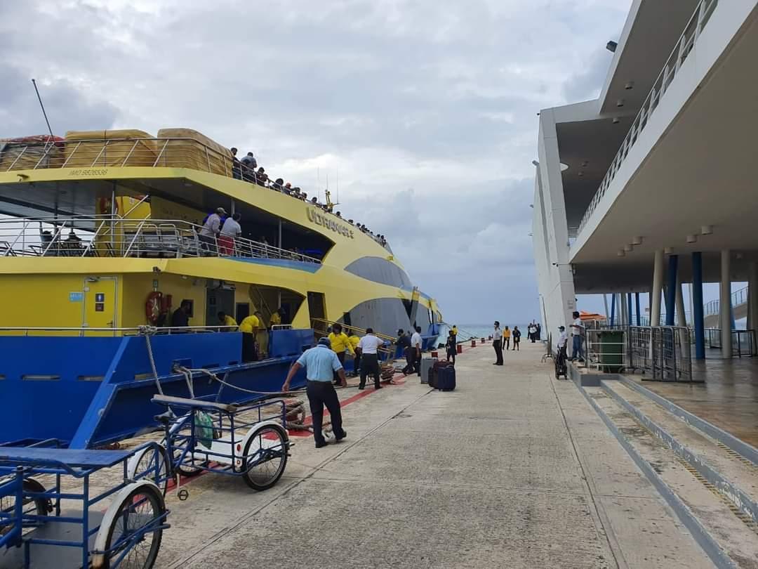 Emprenden acciones para no dejar incomunicado a Cozumel vía marítima.