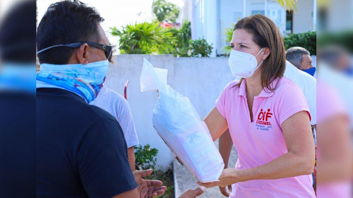 Lleva DIF Cozumel despensas a trabajadores de la Marina Fonatur
