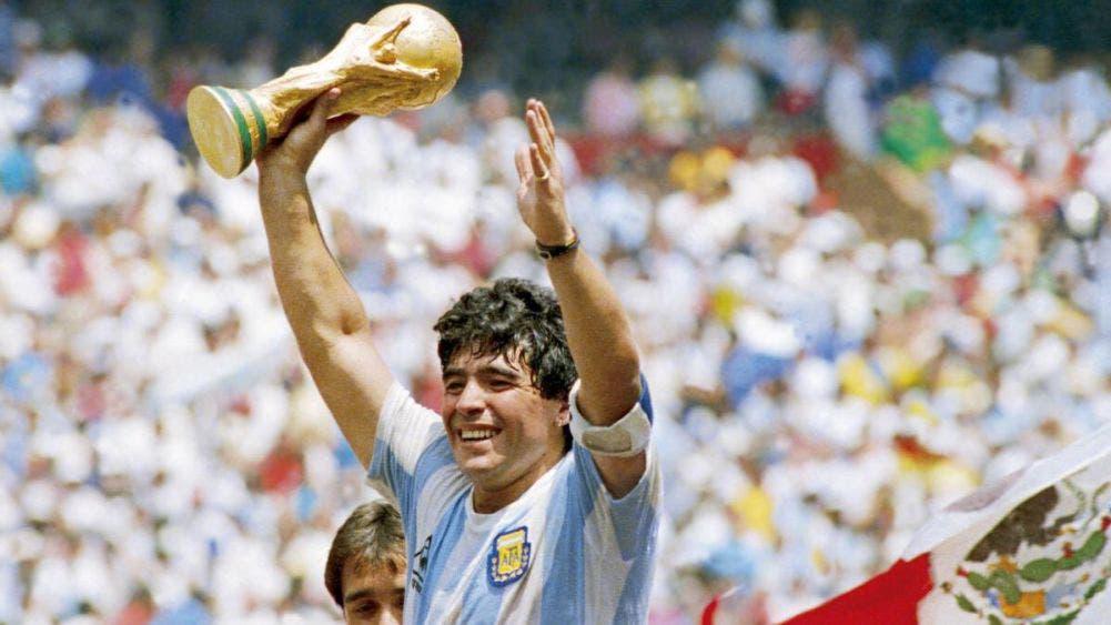 El futbol mundial está de luto: Murió Armando Maradona, el pibe de oro