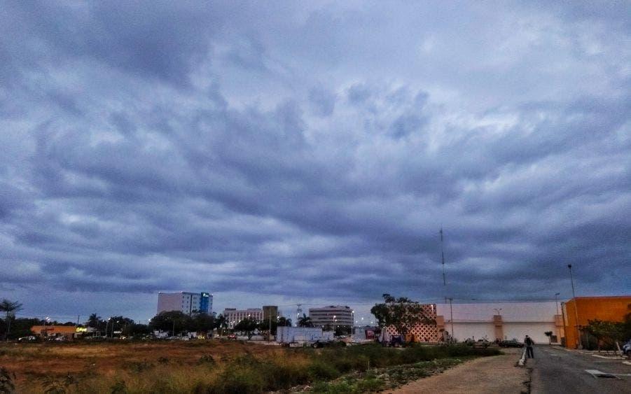 Pronóstico del clima: Cielo nublado y lluvias debido al frente frío no.13 en Yucatán