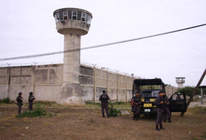 Se queda en prisión sujeto que abusó y golpeó a su expareja en Sodzil Norte