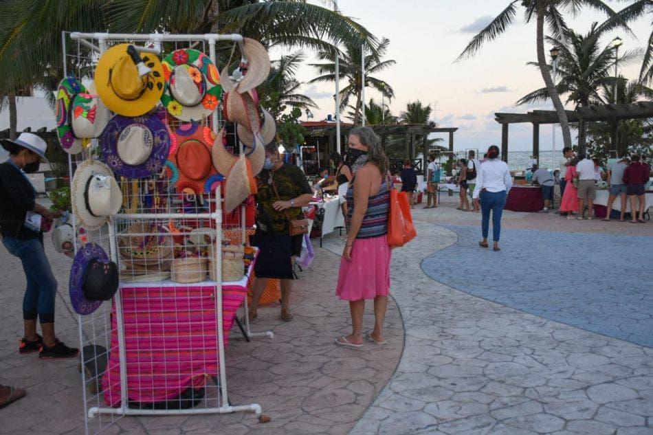 Durante el tercer fin de semana de exposición en la Ventana al Mar se observó el crecimiento paulatino en afluencia de visitantes a los stands