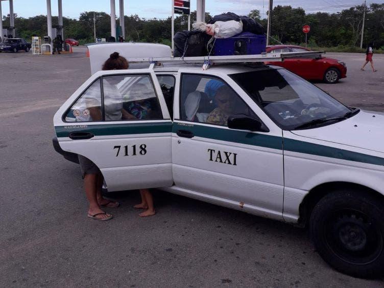 Mucho cuidado con el taxi 7118 de Cancún ¡fue robado!