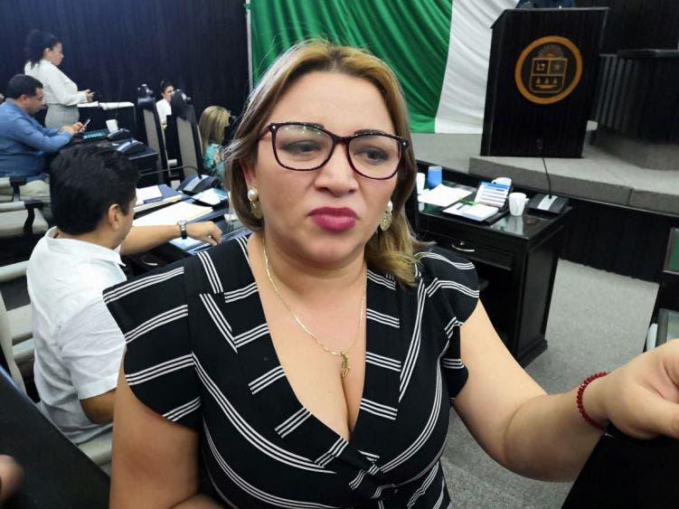 Intereses personales mueven a diputada Erika Castillo a regularizar mototaxis.