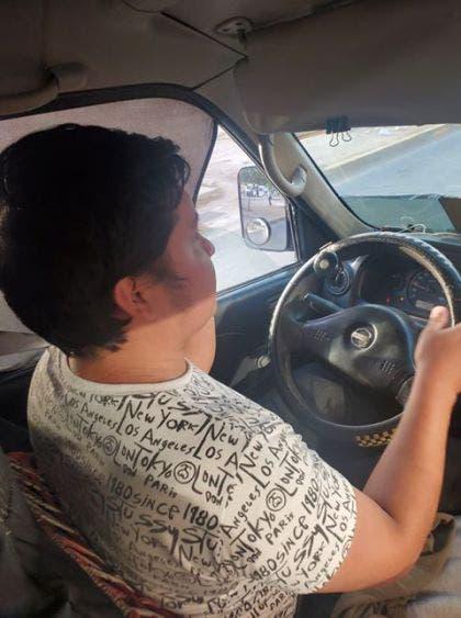 Incrementa 14% los accidentes viales por uso de celular; jóvenes, en su mayoría, los más involucrados en los percances en Cancún.