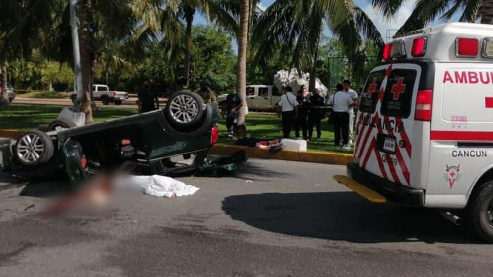 Navidad trágica en Cancún, muere mujer en accidente vial