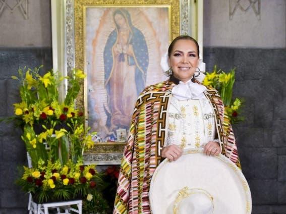 Aida Cuevas ¿pertenecer a una secta? y ¡¿Así le cantará a la Virgen de Guadalupe?!