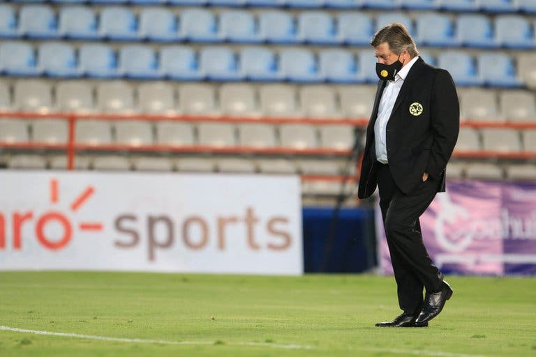 Miguel Herrera se despide del Club América