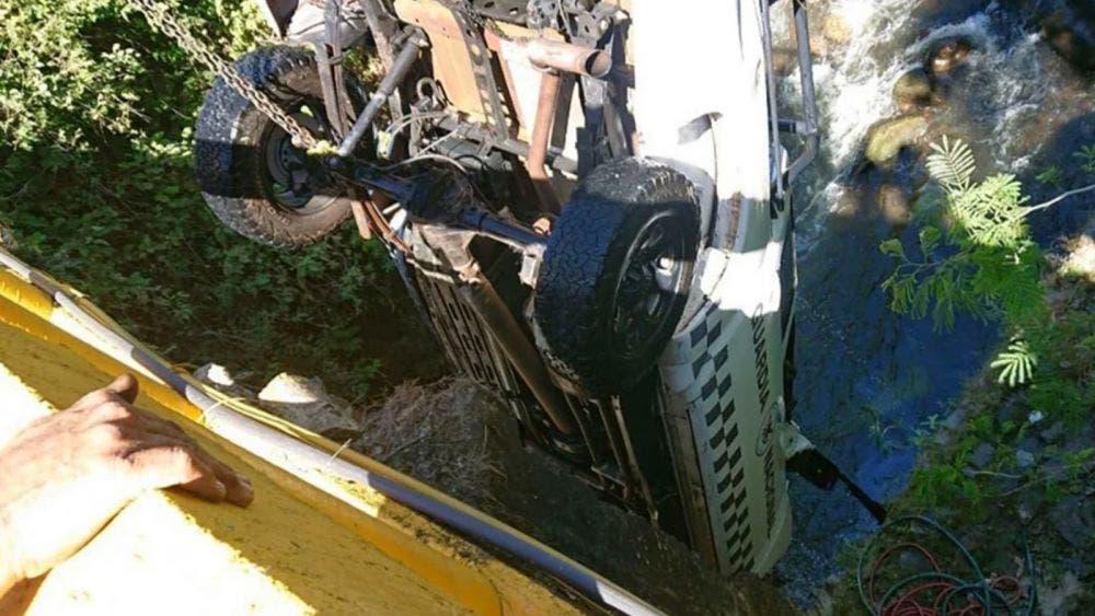 Caen de un puente de 10 metros; dos muertos y 5 heridos