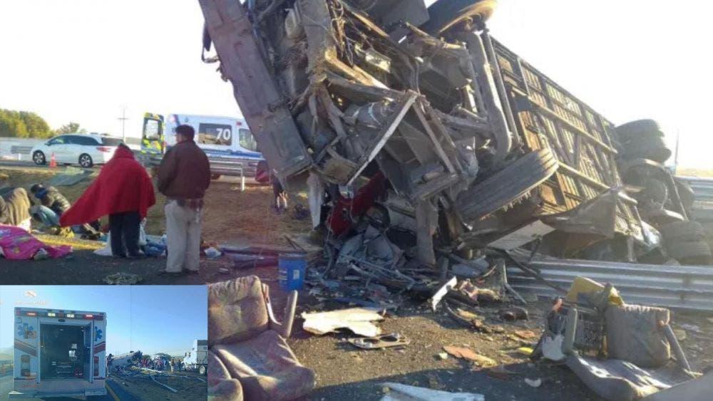 Dos muertos y varios lesionados dejan choque de autobús y un tráiler