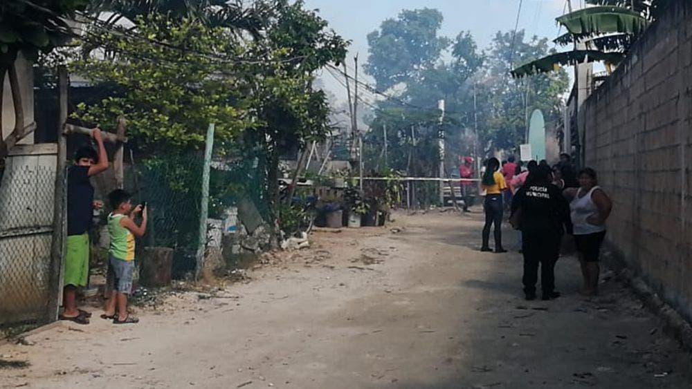 """Incendio arrasa con tres palapas en la colonia """"La Unión"""""""