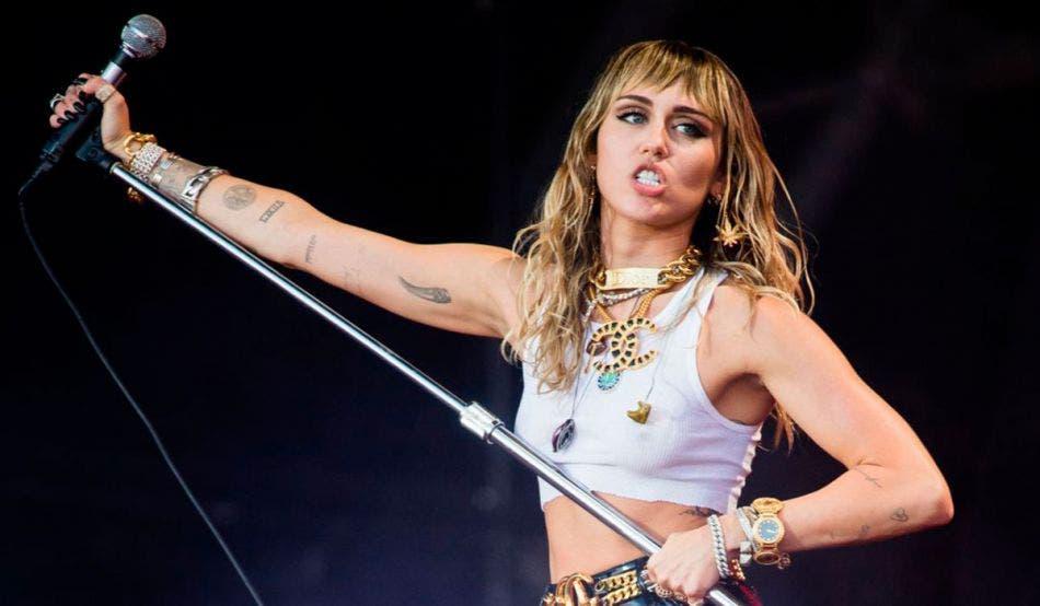 Miley Cyrus confiesa utilizar el FaceTime como 'preservativo'