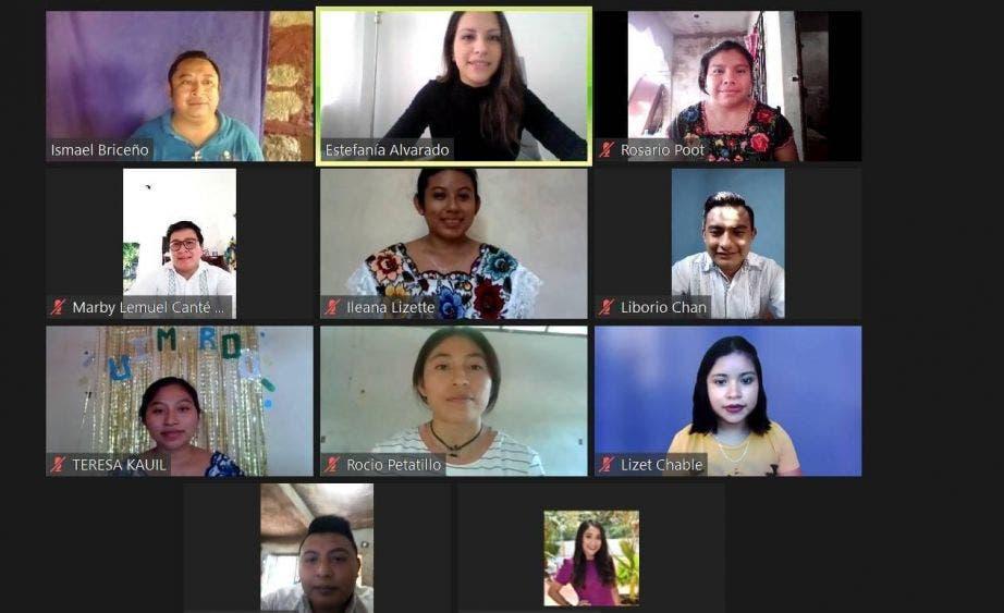 Destacan jóvenes indígenas en concurso de oratoria en lengua maya.