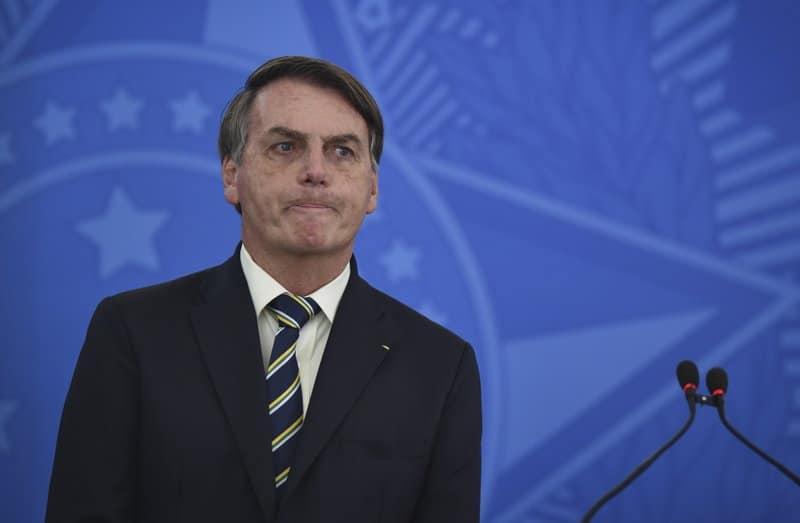 Vacuna contra Covi19 podría convertirte en cocodrilo, asegura presidente de Brasil