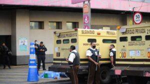Guardia de camioneta de valores mata a presunto ladrón