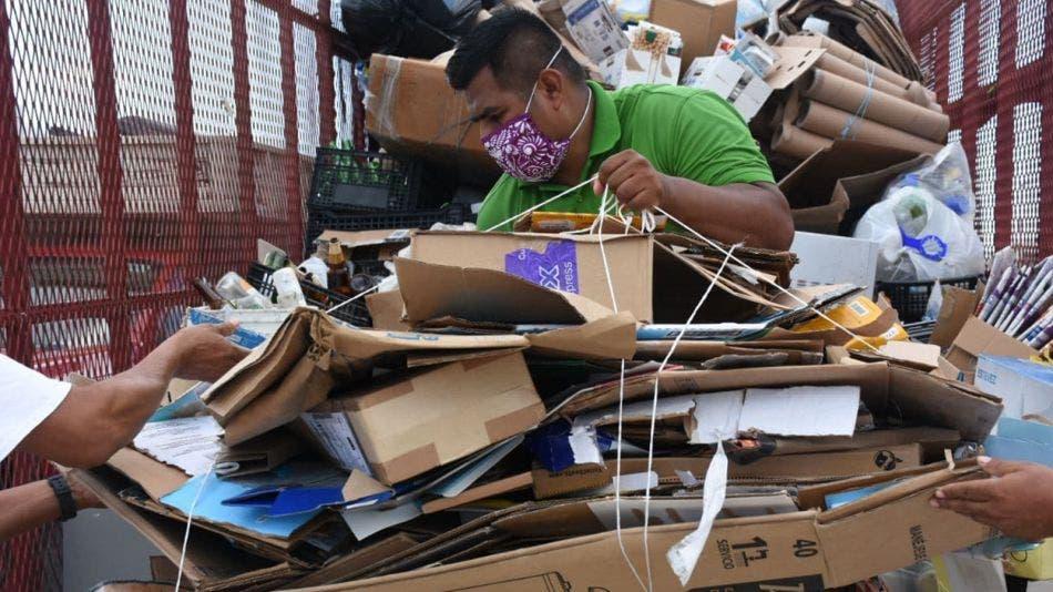 """Suma gobierno de Laura Fernández 18 jornadas de """"Reciclatón"""" en 2020"""