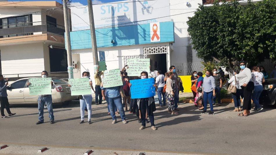 Exigen a la STyPS toma de nota en el sindicato del DIF Quintana Roo.