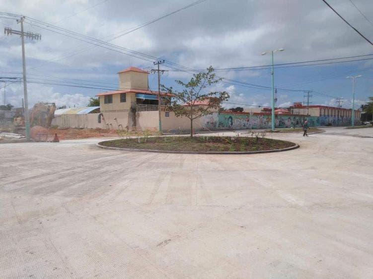Demolerán glorieta peligrosa en avenida de Chetumal.