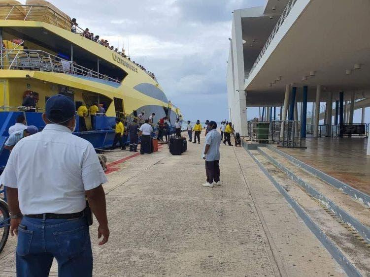 Ultramar brinda de manera normal el servicio entre Cozumel y Playa del Carmen.
