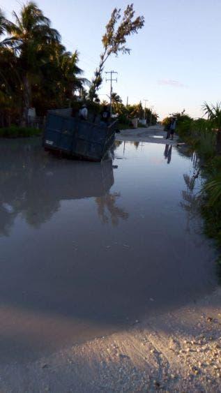 Dejan sin agua potable a las familias de isla Holbox.