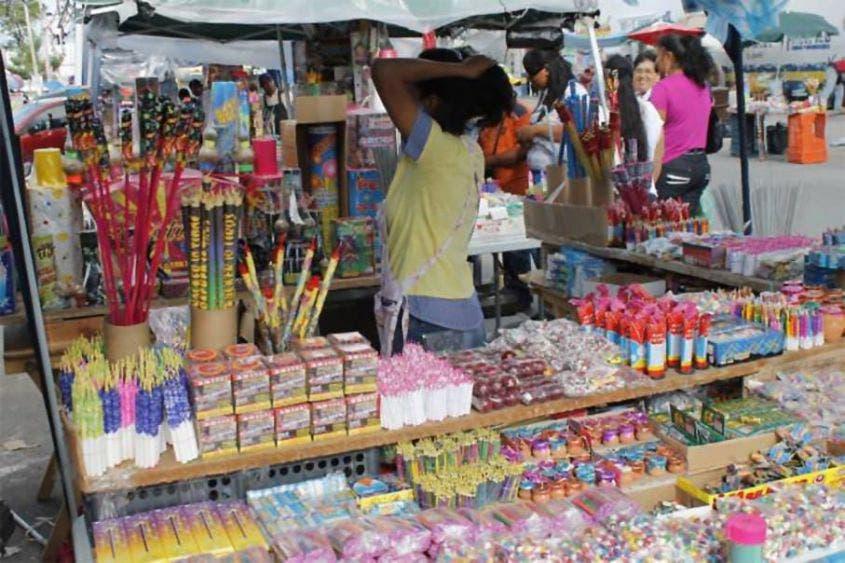 'Tronaron' los ambulantes con la venta de petardos en Chetumal.