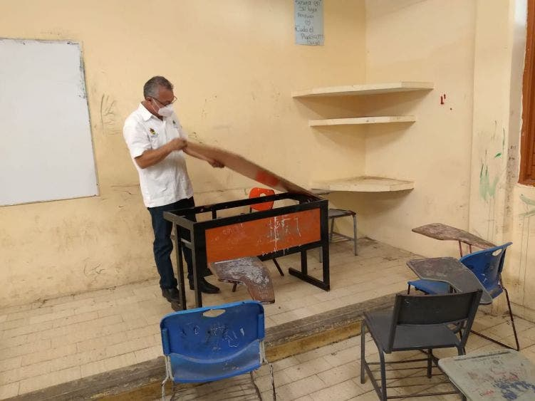 Ifeqroo asesora a padres de familia para garantizar obras escolares seguras.