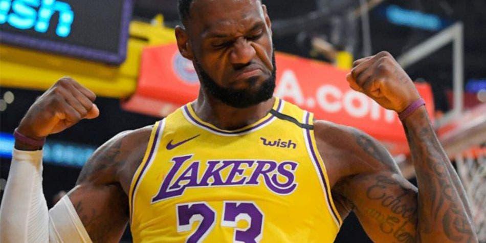 NBA: LeBron James impone récord salarial