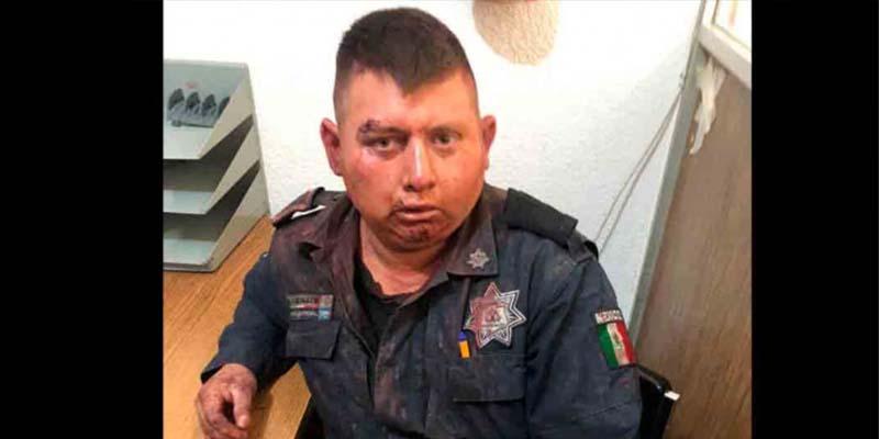 Golpean a policías por atacar a menor de edad