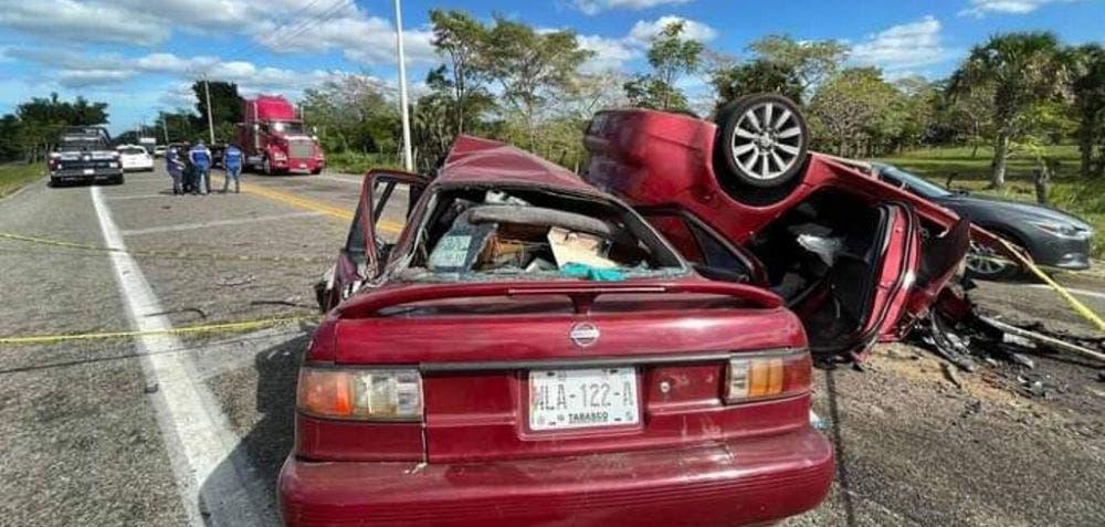 Fatal choque deja cinco muertos en Tabasco.