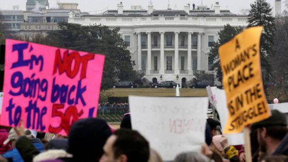 Jugadores de la NFL reaccionan ante las protestas en Estados Unidos