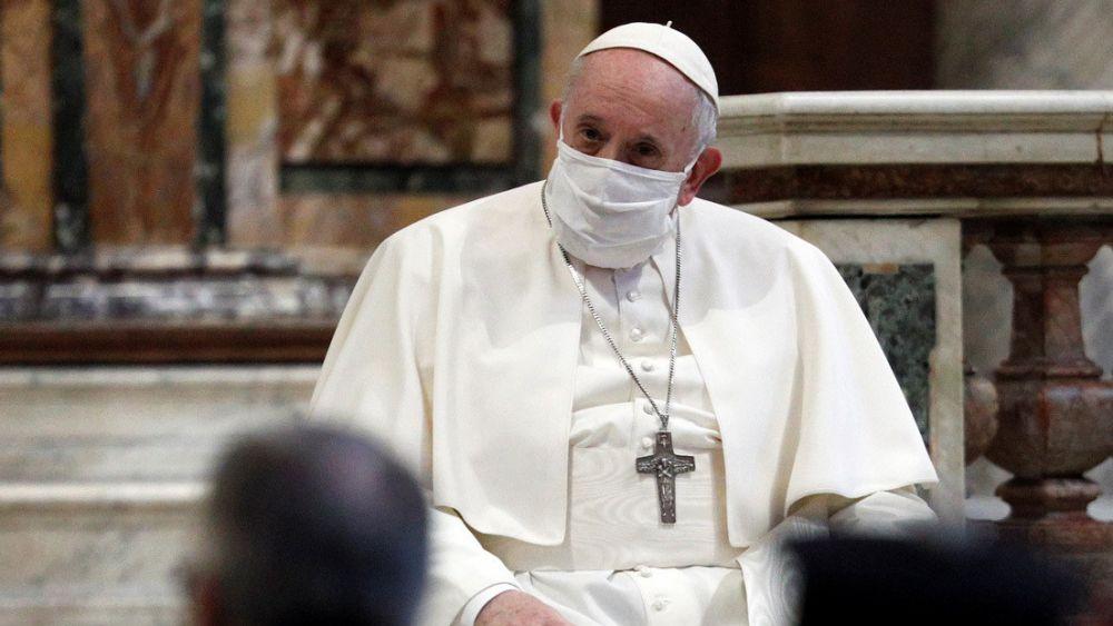 Sermonea el Papa a quienes vacacionan en plena pandemia; los mueve más el placer, que ver por la salud del prójimo, aseguró Francisco.