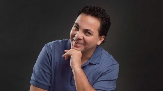 Cristian Castro revela que tiene el corazoncito ocupado.