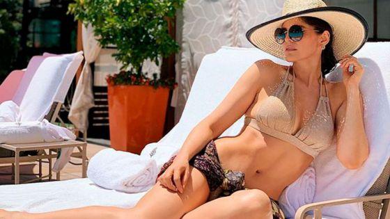 Ana Bárbara enciende las redes con colorido bikini