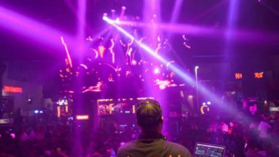 Antros de la Zona Hotelera de Cancún se olvidan del Covid; reciben el Año Nuevo
