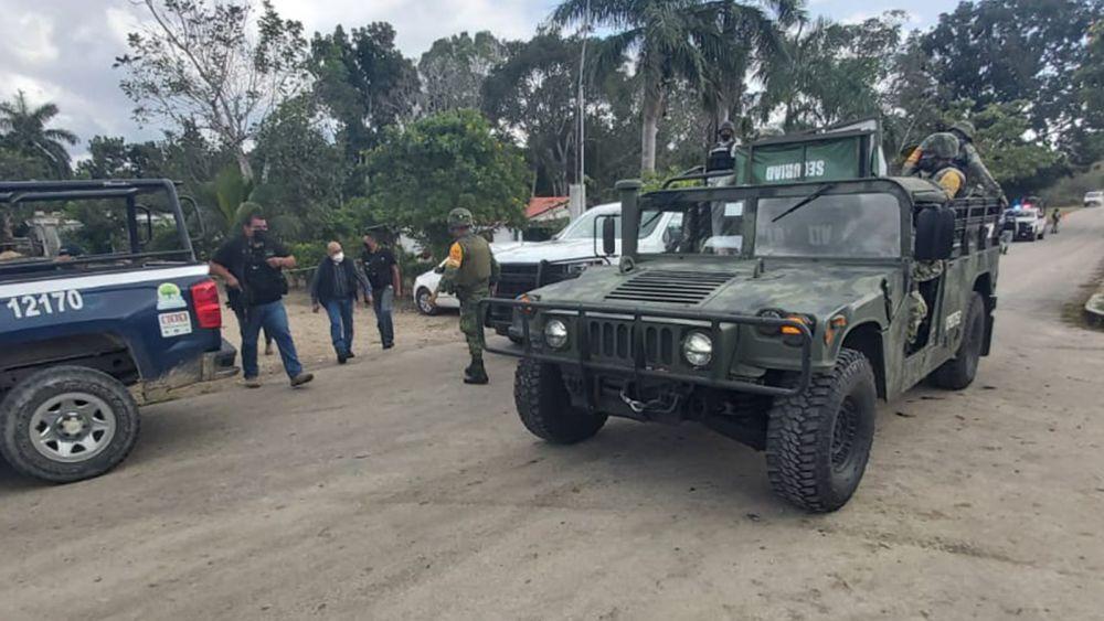 Dos heridos de gravedad en ataque a policías de Quintana Roo