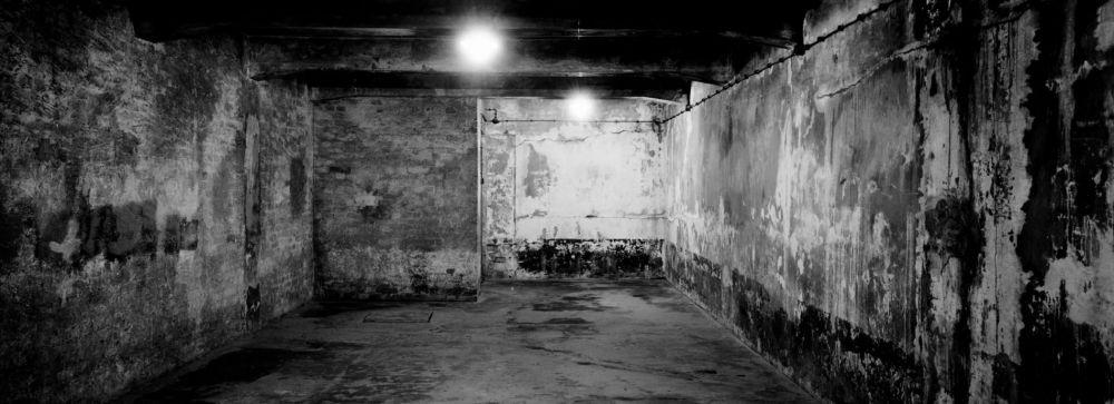 Una vista dentro de la cámara de gas uno en el antiguo campo de exterminio nazi de Auschwitz I en Oswiecim, Polonia. El 27 de enero de 1945, el Ejército Rojo soviético liberó el campo de exterminio de Auschwitz en la Polonia ocupada por los alemanes. / AP / Markus Schreiber