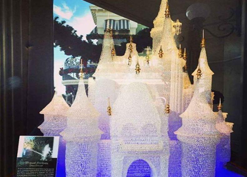 Dos niños de visita a un museo destruyen escultura de 1.4 mdp