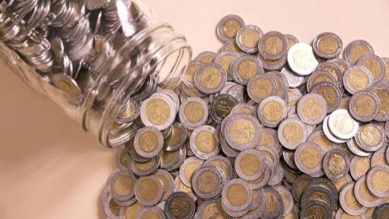¡Corre a la alcancía! Monedas de un peso se venda hasta por 10 mil