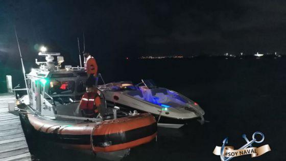 Rescate la Marina a embarcación a la deriva en Isla Mujeres.
