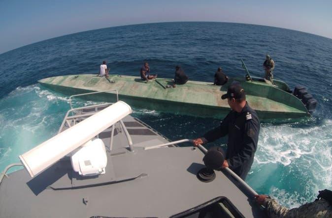 Intercepta la Marina un narcosubmarino en Oaxaca.