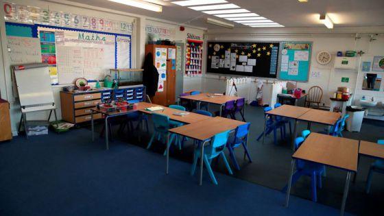 Prepara Londres cierre de escuelas ante el avance del Covid-19