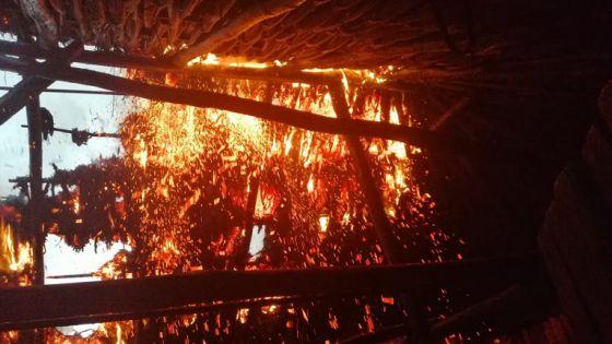 Menor de edad causa incendio en una casa de Espita con una 'bombita'