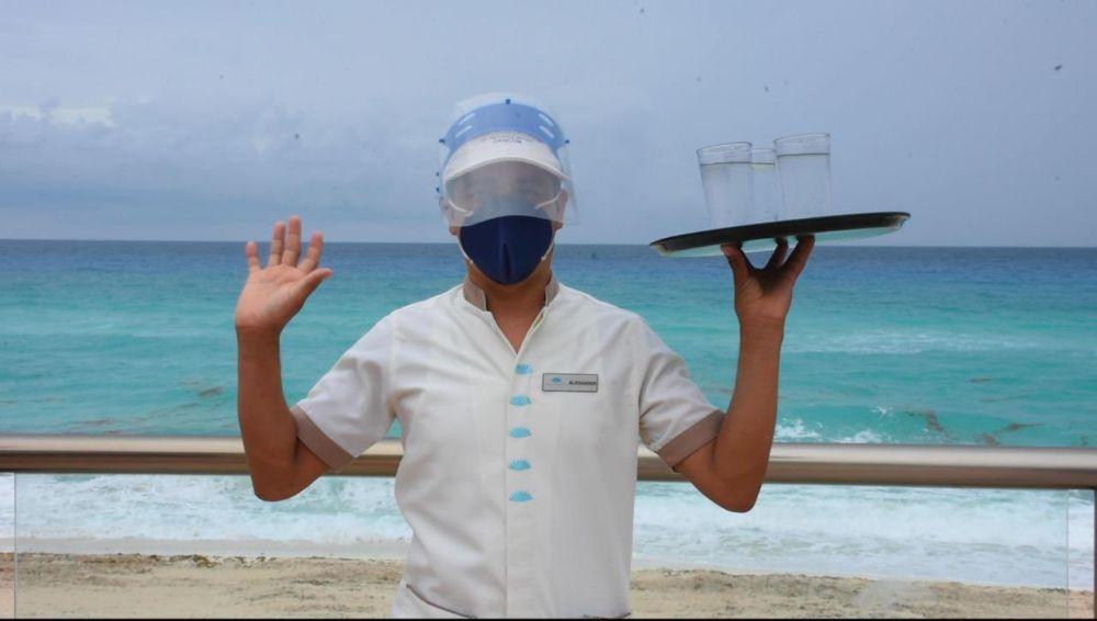 Efectos de temporada baja se sienten en Cancún; inician descansos solidarios.