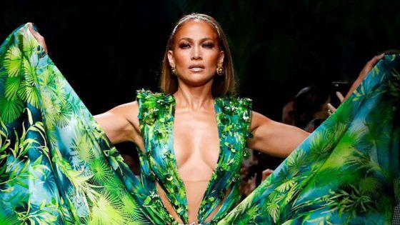 Jennifer López presume bikini de infarto a sus 51 años