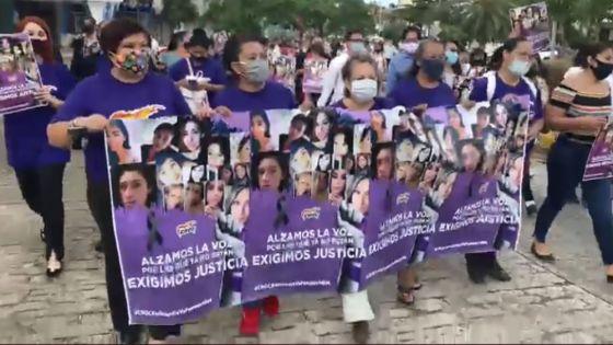 Marchan mujeres croquistas por inseguridad en hoteles de Quintana Roo