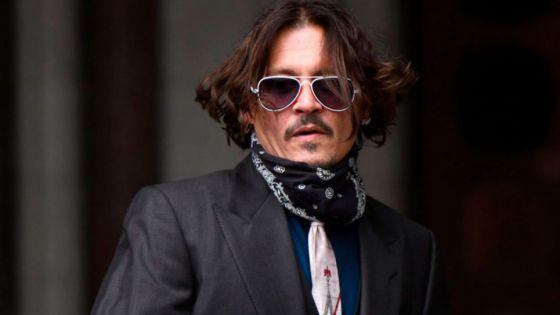 Mujer ingresa a mansión de Johnny Depp para robar