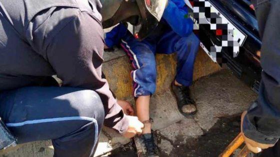 Policías rescatan a menor de edad; estaba encadenado