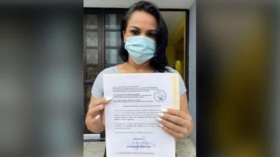 Renuncia Reyna Durán a la bancada de Morena en el Congreso.